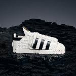 LEGO® y adidas lanzan en Chile réplica de zapatilla Originals Superstar